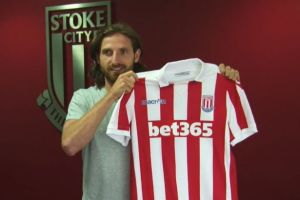 Joe-Allen-signs-for-Stoke-City